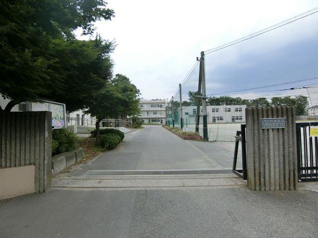 さいたま市立与野西北小学校 徒歩6分。 470m