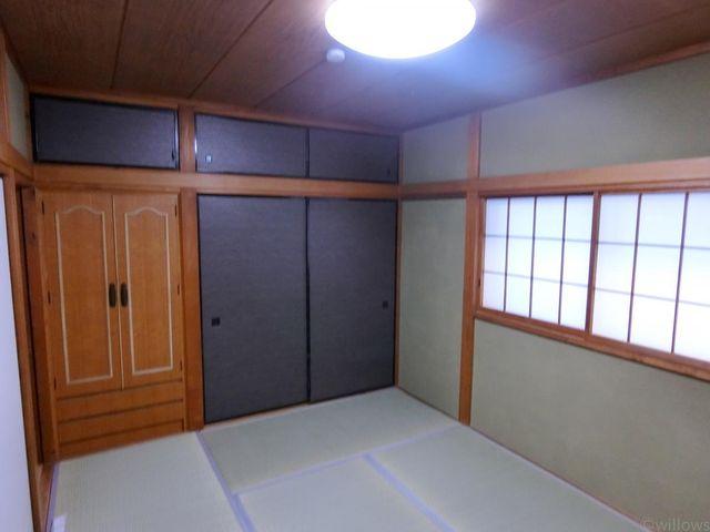 和室6畳です。お好みで洋室に変更して頂いても良いかと思います。(別途費用。)