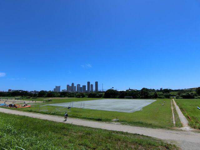 多摩川玉川公園 徒歩18分。 1440m
