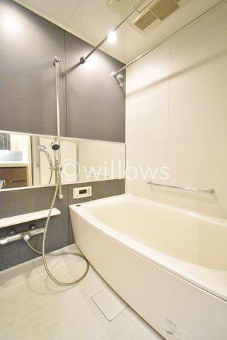 1416サイズの浴室でございます。お風呂でのお時間を大切にしたい方にも、しっかりとくつろげるスペースがございます。※室内写真は2019年11月撮影時点