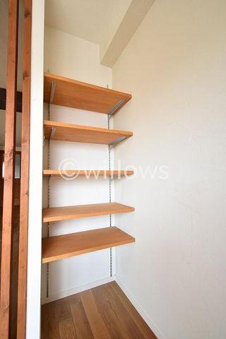寝室の棚収納
