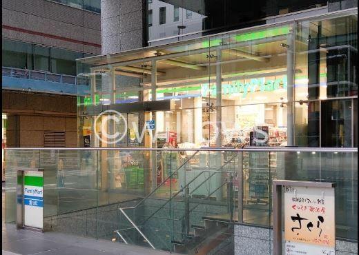 ファミリーマート西新宿八丁目店 230m