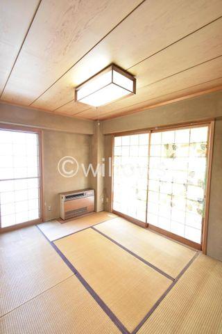 和室は2面採光となっており明るい印象でございます。