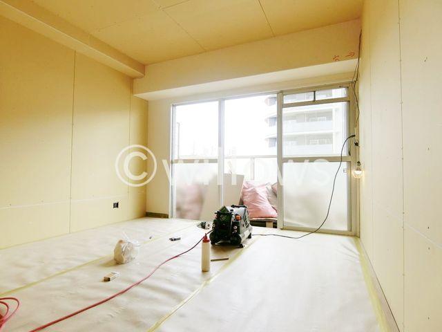 陽光・通風は、住環境・快適性と共に有り続ける貴重な「財産」です。このマンションに住まう事で手に入れるものは、きっと日常にとっても貴重な存在となるはずです。ご家族での団欒を容易に想像できる空間。