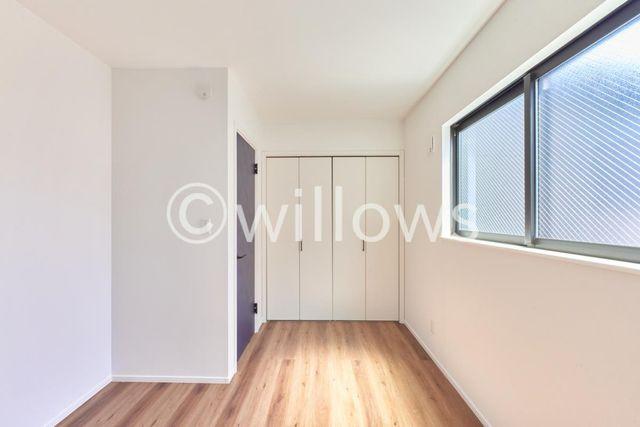 部屋の形が良く、家具配置もしやすいかと思います。お子様部屋や寝室、納戸など、幅広くご利用頂けます。