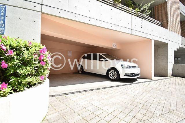 専用使用権付き駐車場。2台分お停め頂くことが可能です。
