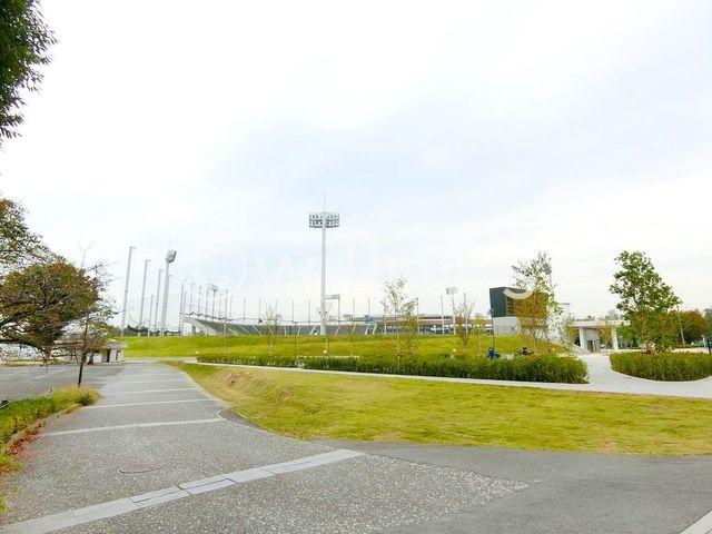 等々力陸上競技場 徒歩1分。 80m