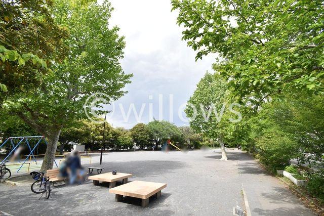 横浜市立大綱小学校 徒歩5分。 350m