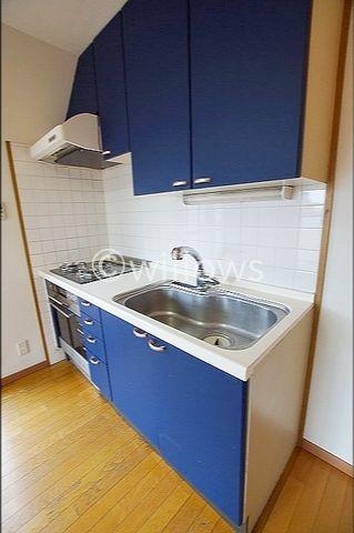 対面式キッチンを新規設置予定。リビングの中心に位置し、家族が集まる空間へと生まれ変わります。