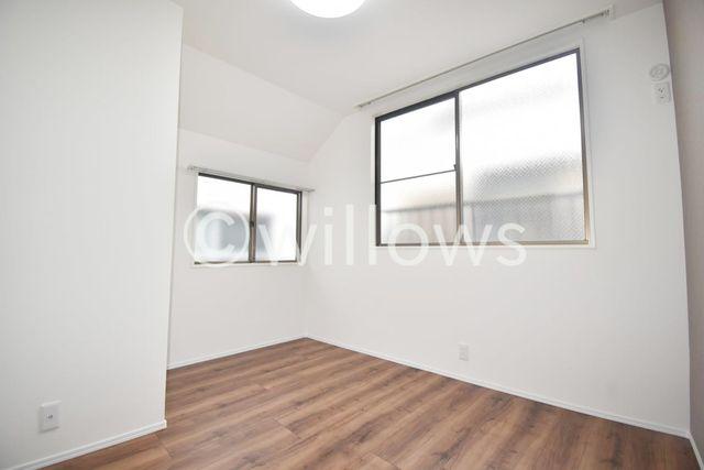 バルコニーと反対側の居室です。寝室やお子様部屋、お仕事部屋などフレキシブルにご利用頂けます。
