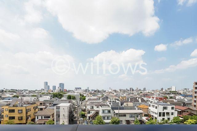 6階部分のため、眺望がすばらしいです。都心にいながら、空を仰ぐことのできるバルコニーです。