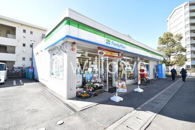 ファミリーマート川崎千年店 徒歩4分。 310m