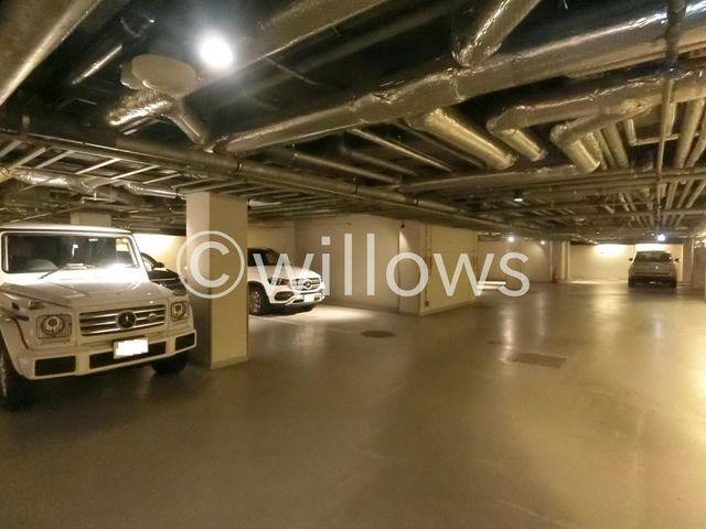 駐車場専用の駐車場スペース有