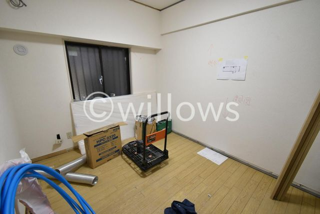 現在リフォーム中です。デッドスペースが少ないので、レイアウトしやすいお部屋ですね。