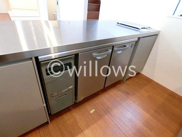 ご家族みんなで調理ができる位のスペースを実現したキッチン空間となっております。家族みんなで作った料理を召し上がりながらの会話は、きっと弾むでしょうね。(2019年1月/新築時撮影)