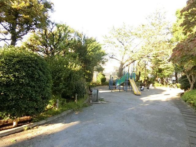 西大井広場公園 徒歩5分。 380m